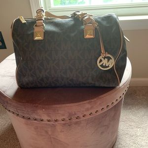 Michael Kors classic monogram bag